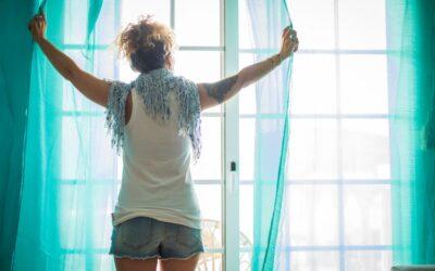 Casas con poca luz natural: 4 trucos para potenciarla